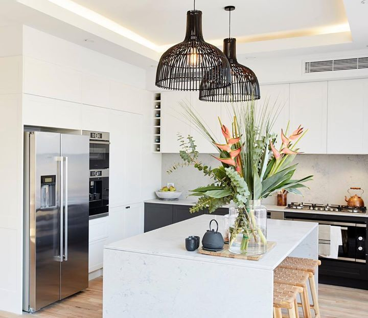 @joshandelyse have created a stunning contemporary kitchen and we love the orientation of their island bench. But the best bit is that amazing hidden Butler's Pantry - ah-mazing!! #9theblock #theblock #kitchen #roomreveals http://ift.tt/2xqWwyP