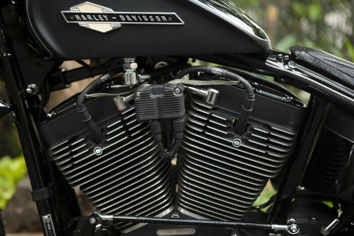 Gearhead Monkey Garage - Automotive & Bike Builder