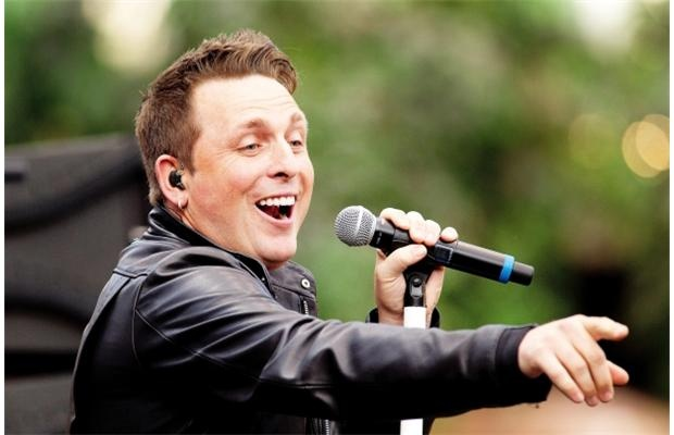 Two-time Juno winner Johnny Reid sings at the West Edmonton Mall Ice Palace