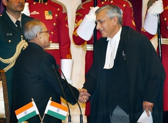 Country gets a new Chief Justice as Justice T.S.Thakur sworn in as 43rd CJI by President Pranab