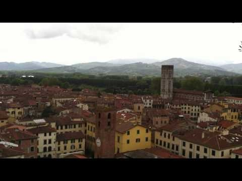 View of the city of Lucca from the top of the Guinigi Tower - www.universolucca.com #lucca #video
