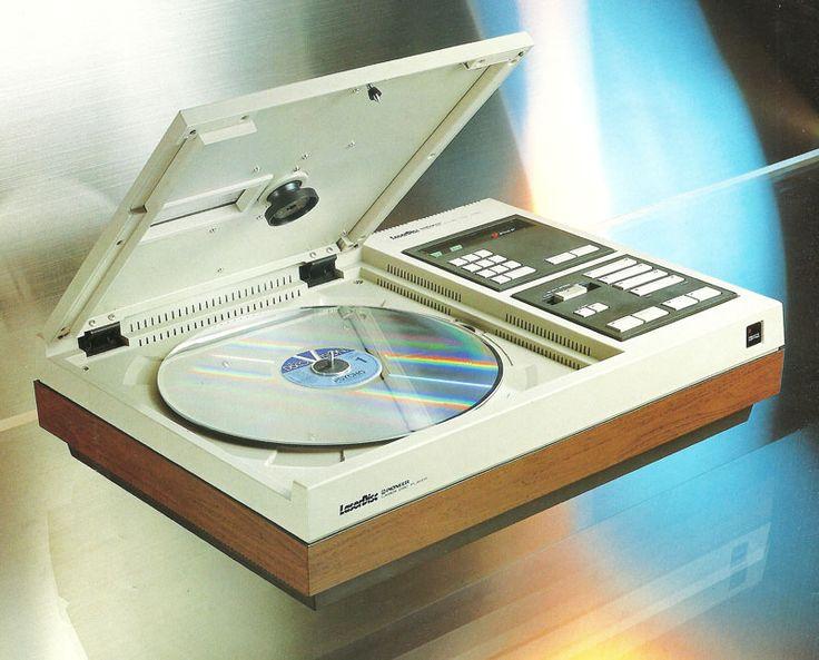 Pioneer VP-1000 - www.remix-numerisation.fr - Rendez vos souvenirs durables ! - Sauvegarde - Transfert - Copie - Digitalisation - Restauration de bande magnétique Audio - MiniDisc - Cassette Audio et Cassette VHS - VHSC - SVHSC - Video8 - Hi8 - Digital8 - MiniDv - Laserdisc - Bobine fil d'acier - Micro-cassette - Digitalisation audio - Elcaset
