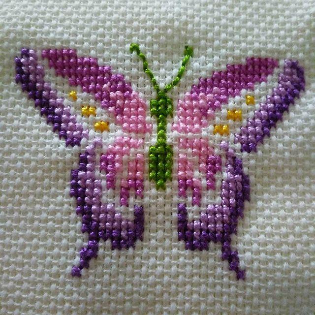Ve kelebekli rüyalar;) #kelebekler #havlu #kanaviçe #etamin