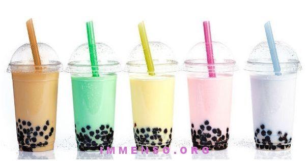 Ricetta del Bubble Tea Ingredienti:  due o tre cucchiai di perle di tapioca,  una o più bustine del tè preferito,  due tazze di zucchero di canna,  latte o frutta,  zucchero e acqua q.b.  http://www.immenso.org/46920/ricetta-bubble-tea/