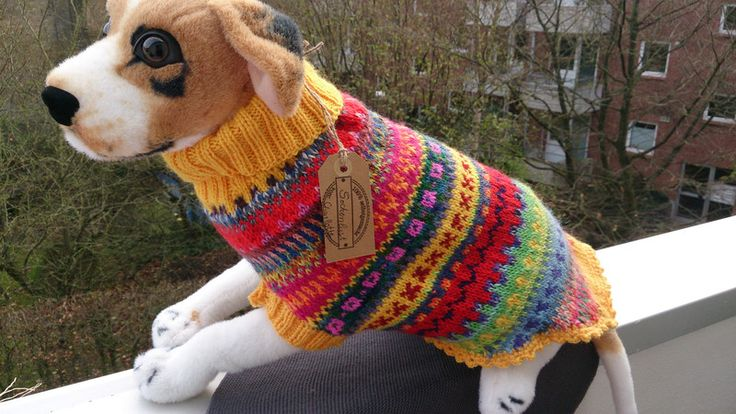 Gestrickter Hundepulli - Weihnachtsgeschenk von Sockenlust auf DaWanda.com