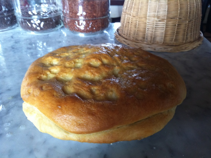 'Focaccia' bread filled with nuts, gorgonzola cheese and 'radicchio'