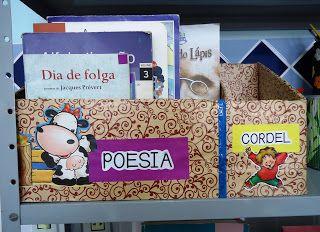Ideia para reaproveitamento de caixas de papelão, transformando-as em porta-revistas ou porta-livros. Excelente para o CANTINHO DE LEITURA. ...