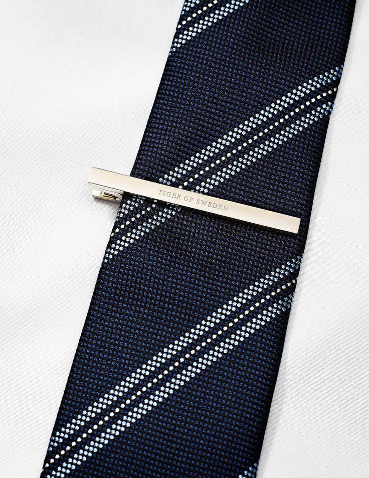Rainero tie pin-Men's classic tie pin. Features engraved Tiger of Sweden logo.