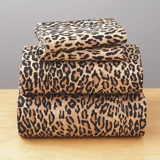200 Thread Count Cheetah Print Sheet Set $20.00. I'm pinning so I can look for same print, but better sheets. Ugh...200 thread count.