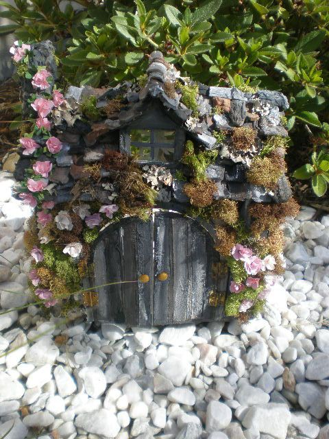 I adore this!  It looks like a fairy home.