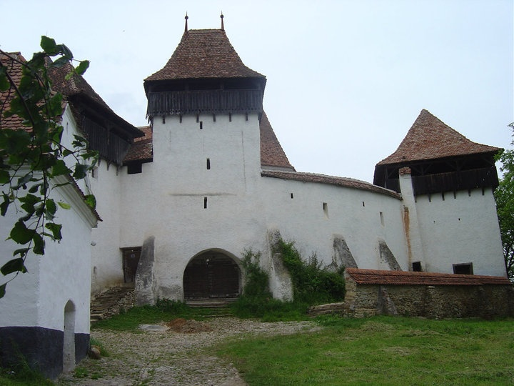 The fortified church in Viscri is one of the most beautiful in #Romania. #travel