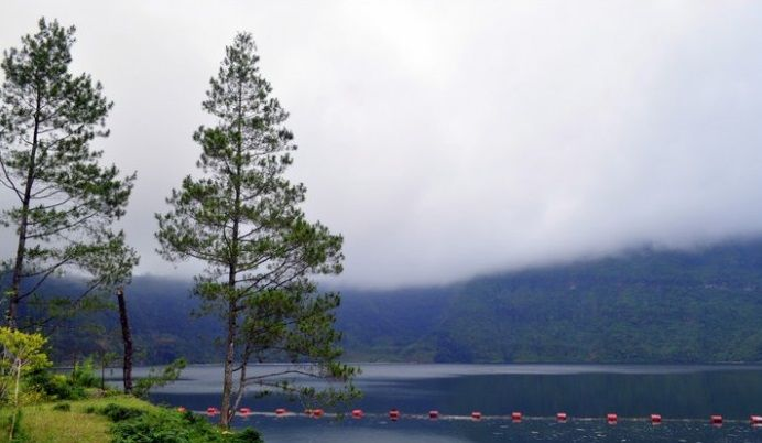 Menjer Lake