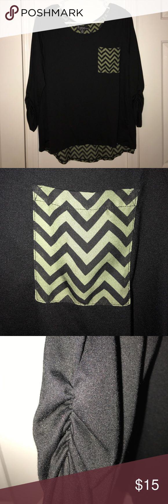Chevron Top Black and olive chevron top. Cinched sleeves. Open back. Size medium. Never worn. Tops Blouses