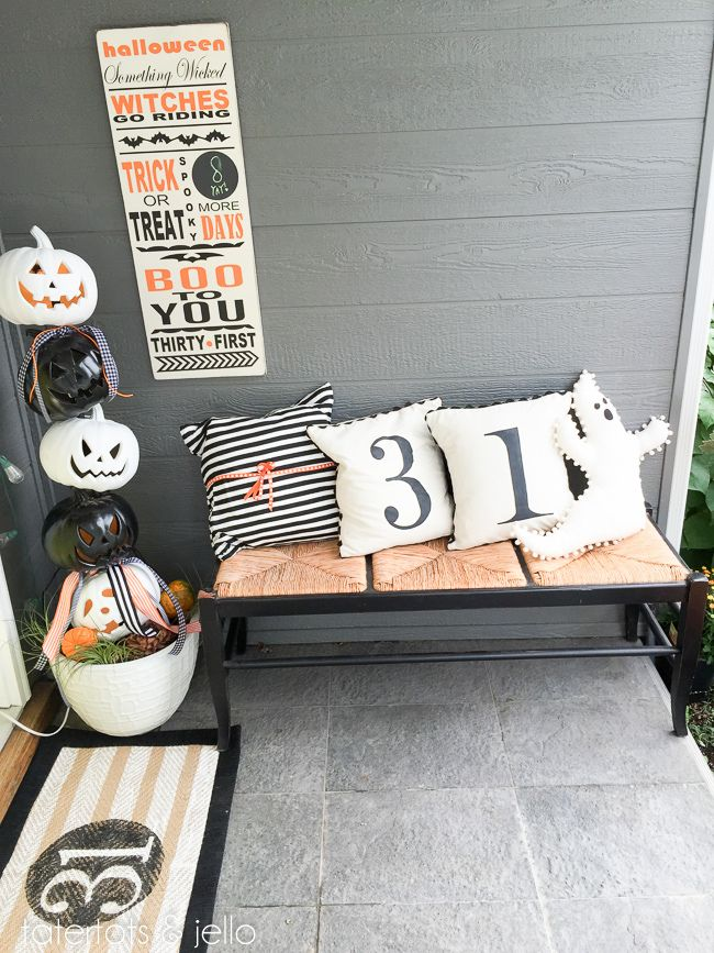 diy halloween count down board and typography sign so cute for indoors or your front - Cute Halloween Decor