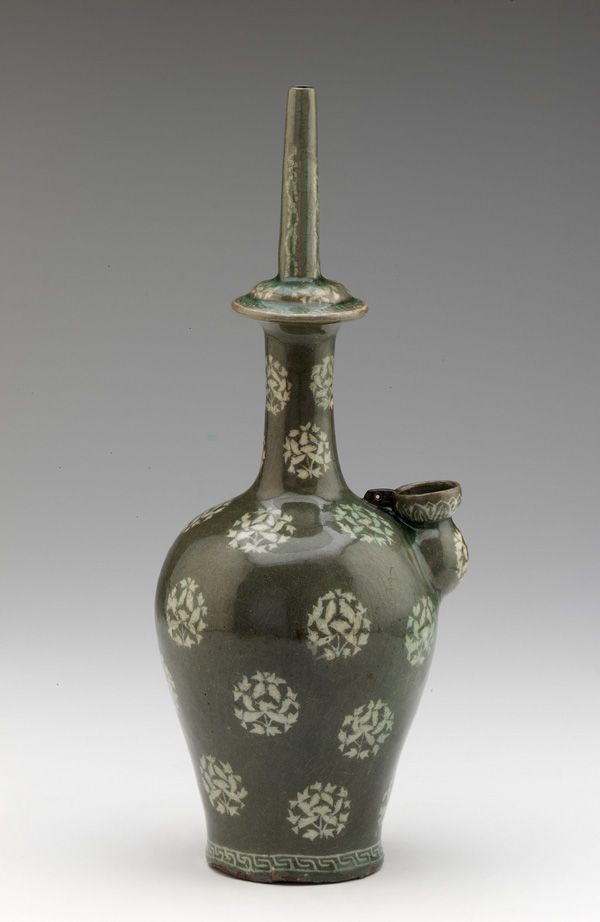 Water bottle, first half of 13th century, Goryeo period  - Korea - Stoneware with white inlay under celadon glaze - Gangjin or Buan
