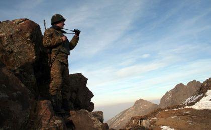 A los 13: 00 horas del 25 de diciembre, un francotirador de Azerbaiyán mató a un soldado del Ejército de Nagorno Karabaj.