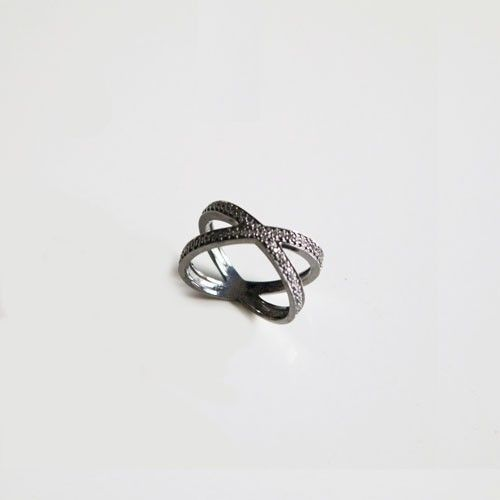 TOPAS KRYDS RING via NO79. Click on the image to see more!