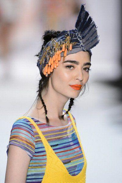 Labbra arancioni: la tendenza del momento. #thenewOrange è anche #moda :)