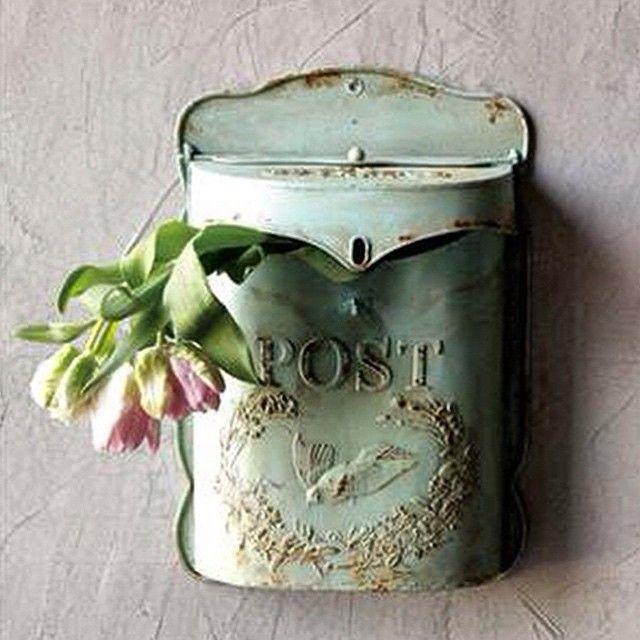 Antique mailbox | inspiration #amyhowardathome