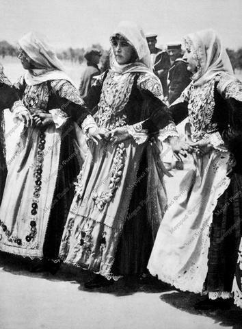Χορός Γυναικών Μεγάρων 1929