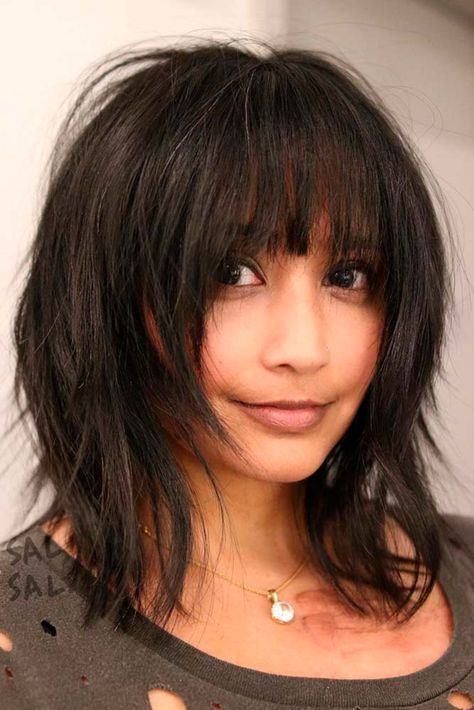 Super shaggy straight across fringe, thinned out under chin #avedaibw