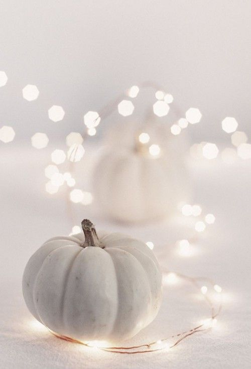 5 Fashionable Ideas for Halloween Décor! Love the chevron pumpkin paint idea.