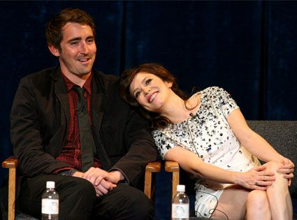 -Lee Pace and Anna Friel. I miss this show!