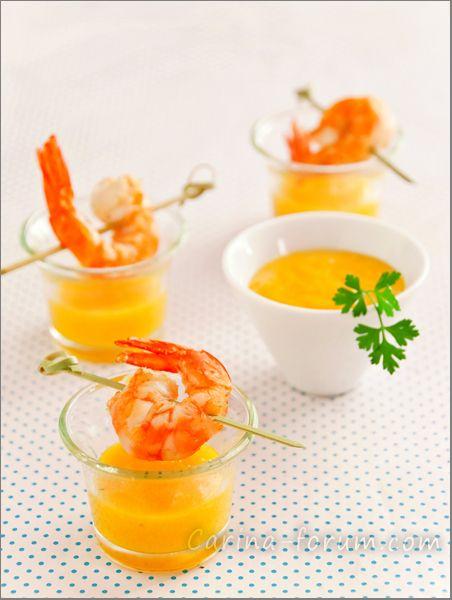Gamberi con salsa piccante di pesche