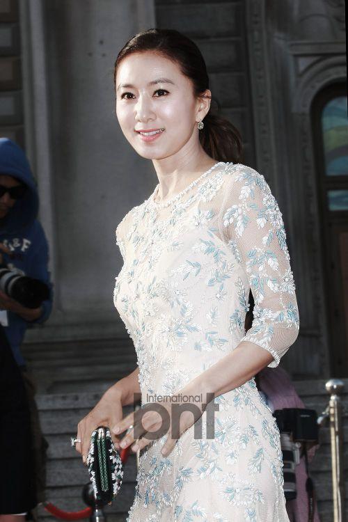 [2014.05.27] Kim Hee Ae at the 50th Baeksang Arts Awards