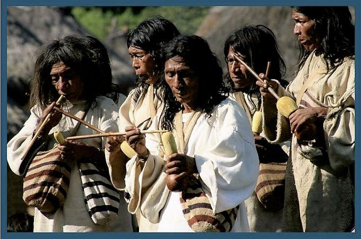 Kogi People, Tairona Culture, Colombia. Les Kogi de Colombie, à travers deux documentaires distincts, livré un message d'une interconnexion durable avec la nature et de la communauté comme un moyen d'éviter le climat et la destruction écologique.