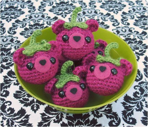 Gleeful Things » Free Crochet Pattern: Bearies