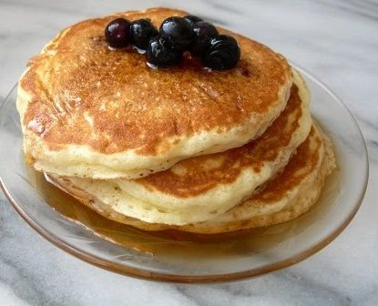 Fluffy Pancakes #recipe - repinned 2300 times! It MUST be Frank-worthy! Back pin to a terrific board.