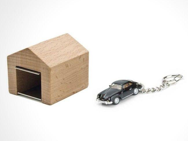 Astucieux Mini Garage pour Garer vos Clés de Voiture