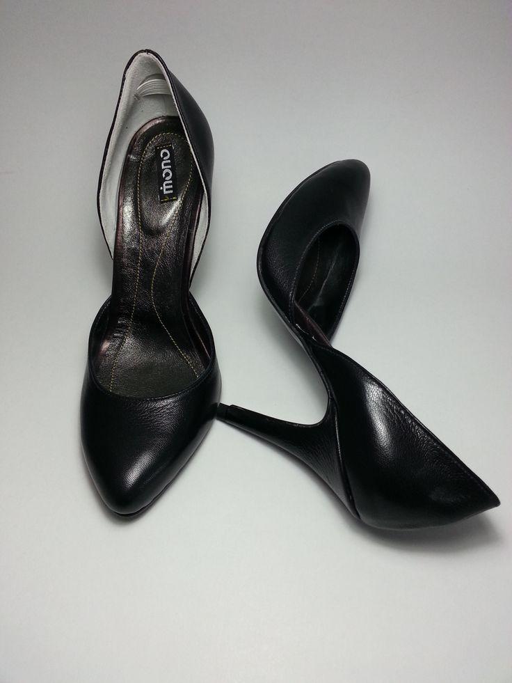 http://www.myfashionizer.ro/rochii-elegante/magazin-online/incaltaminte-dama/pantofi-online-piele-negri-cu-toc