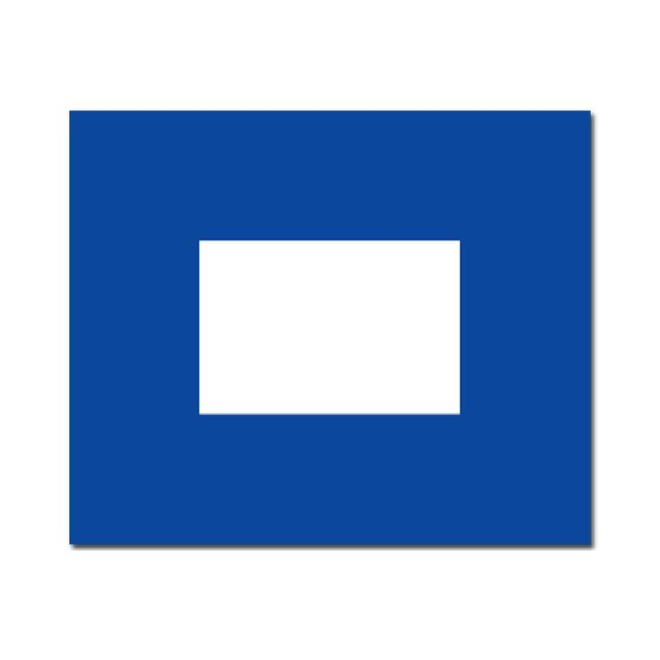 Seinvlag P 20x24cm Materiaal Pavillon, rondom gezoomd met koord en lus, hoogste kwaliteit. Betekenis van deze Signaalvlag P Papa: In de haven; allen die met het schip meegaan moeten aan boord komen!