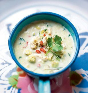 Soupe thaïe au poulet et lait de coco / Thai soup with chicken and coconut milk