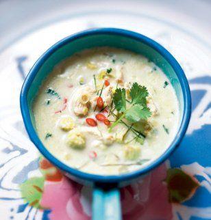 Soupe thaïe au poulet et lait de coco / Thai soup with chicken and coconut milk