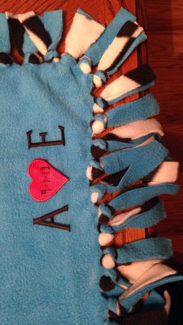 Tie blanket for boyfriend – #blanket #boyfriend #Tie – #giftideasforboyfriend #gift
