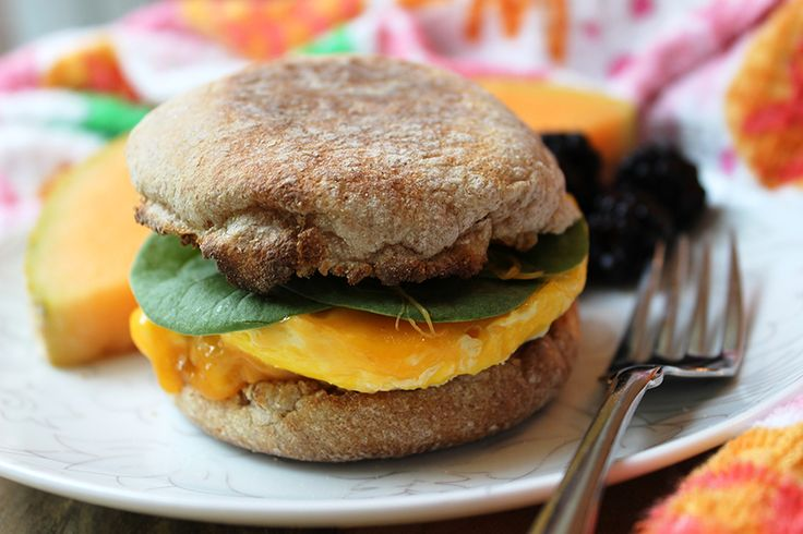 Easy Breezy Breakfast Sandwiches! Weekend treat or easy weekday grab-and-go!