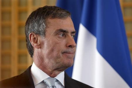 Jérôme Cahuzac avoue avoir un compte à étranger - http://www.andlil.com/jerome-cahuzac-avoue-avoir-un-compte-a-etranger-107287.html