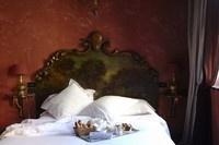 Chambre Supérieure - Hotel romantique 5 étoiles Lyon - Cour des Loges : Hotel 5 étoiles Lyon