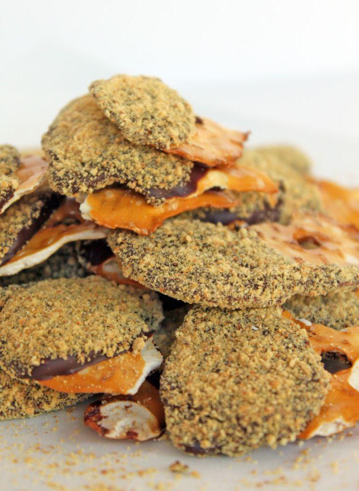 Chocolate Graham Cracker *S'mores* Pretzel Thins   No Bake Dessert   Little Kitchen, Big Bites #smores #pretzels #nobake