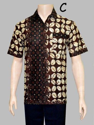 Kemeja Batik motif Klasik Bahan batik Katun  Size M L XL Harga 90rb  Call Order : 085-959-844-222, 087-835-218-426 Pin BB 2BB291FD, 23BE5500  #kemejabatik #kemeja #bajubatikpria #bajubatikmurah #baju #batikbagoessolo #seragambatikkantor