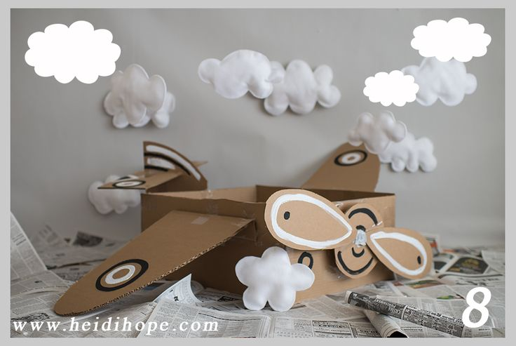 Awesome prop for a little boys bday photo shoot, cardboard box airplane photo prop tutorial