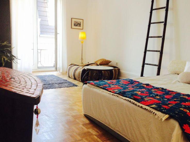 Super gemütliches Schlafzimmer einer 3-Zimmer-Wohung im #Altbau in #Frankfurt #Nordend