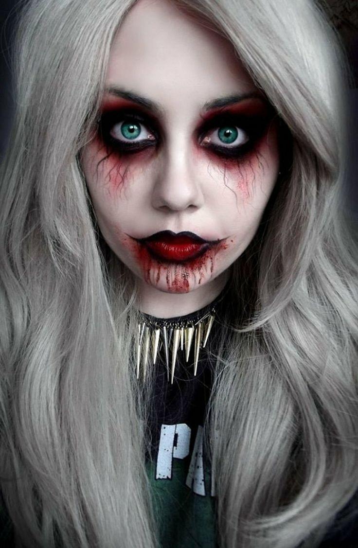 Gruseliger Vampir-Teufel mit blutunterlaufenen Augen