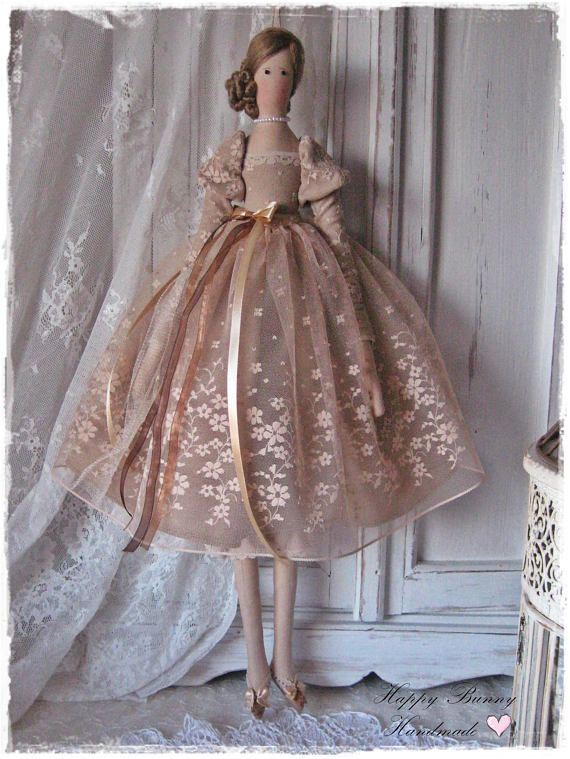 RESERVED FOR CECILE! ♥ Mademoiselle Alexandra is a beautiful doll in the vintage style. This handmade doll is my interpretation of a Tilda doll pattern. She is a great gift for relatives and friends for any occasion. The doll is wearing a brown dress made from linen and lace