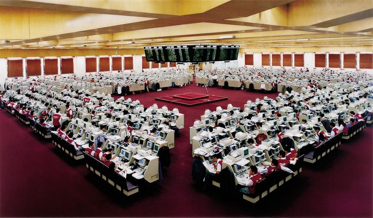 Hong Kong Stock Exchange II 1985 by Andreas Gursky