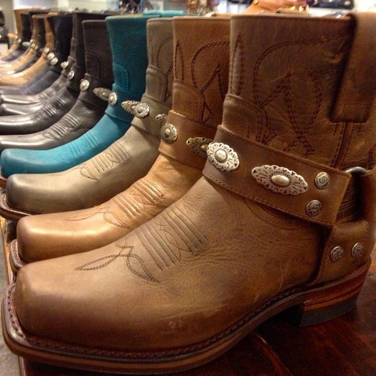 Sendra boots  (Gaudi Sendra boots, The Hague)