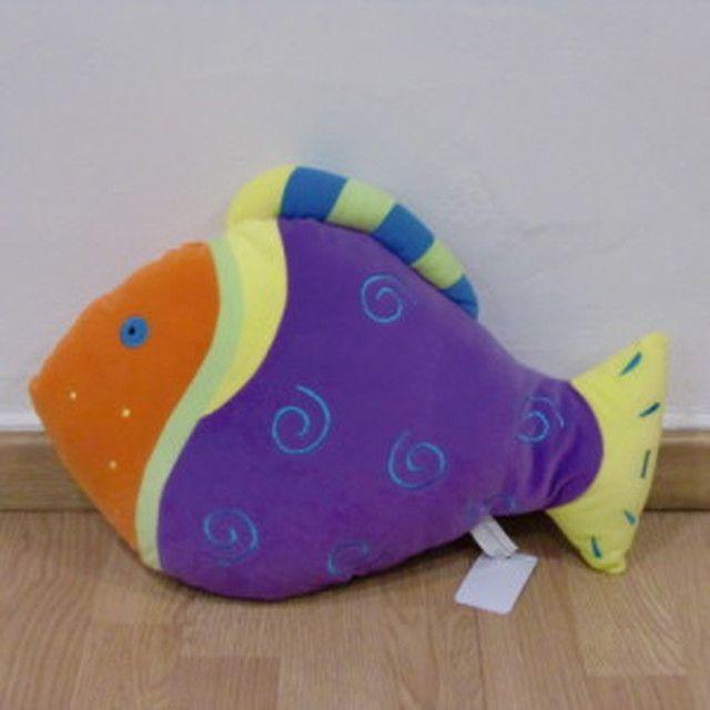 Almohada en forma de pez